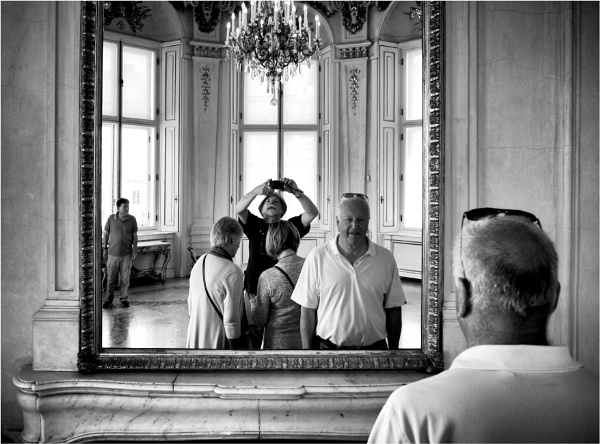 Mirror image by KingBee