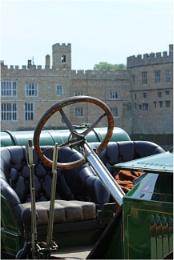 Car & Castle.