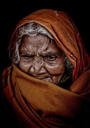 Old hindu pilgrim in Haridwar