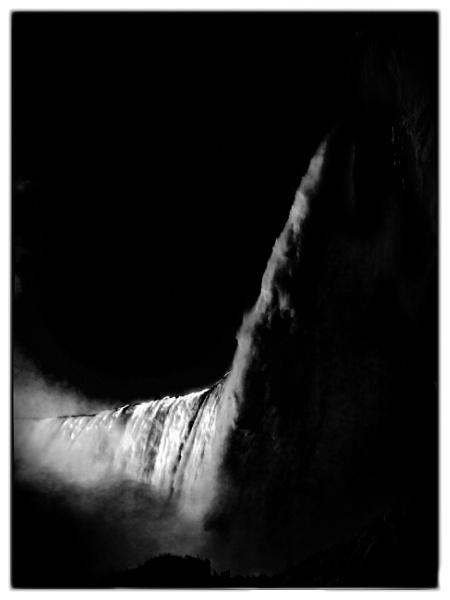 Niagra Falls by bobbyl