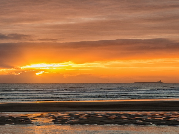 Alnmouth sunrise with Coquet island by Carolhall