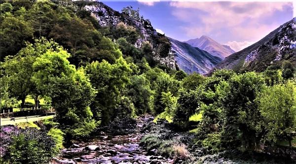 El Espineareu Asturias by Pejadee
