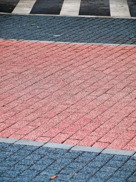 pavement by LaoCe