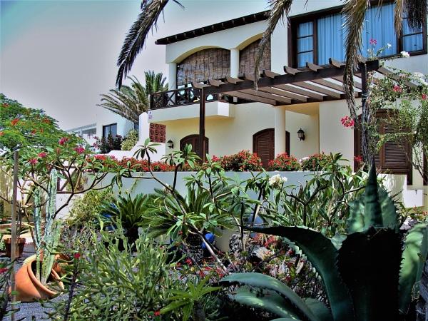 Spanish Gardens by PentaxBro