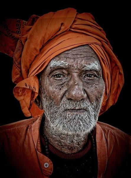 Hindu Pilgrim in Rishikesh by sawsengee