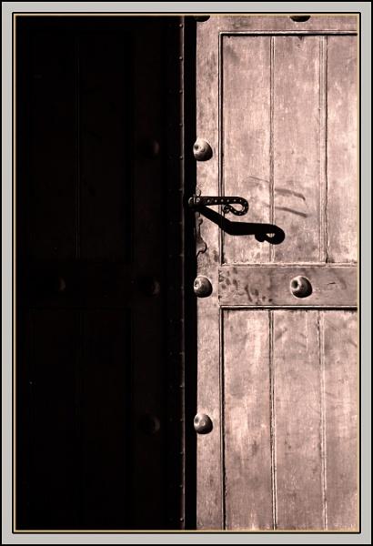 A  Door by nklakor