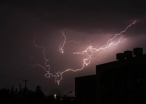 Lightning by brianjoyce
