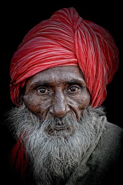 Sadhu in Haridwar by sawsengee