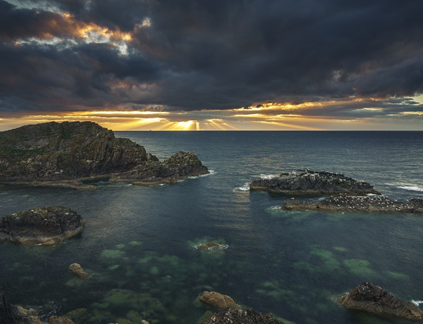 Portknockie sunbeams by Dallachy