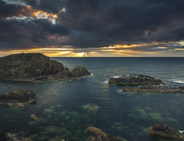 Portknockie sunbeams by Dallachy