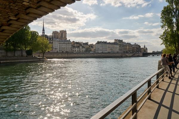 The Seine in Paris near sunset by fortun