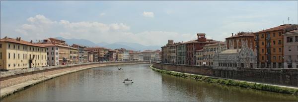 River Arno, Pisa by canoncarol