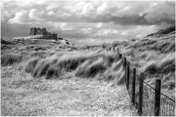 Bamburgh Castle by dven