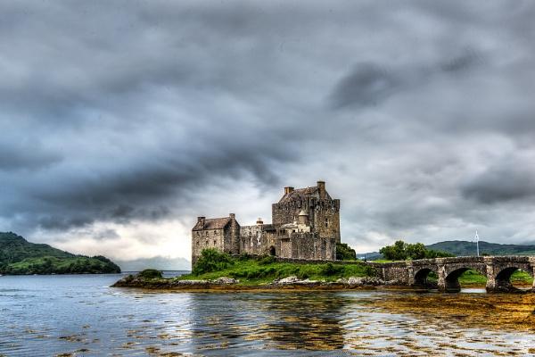 Eilean Donan Castle by AndrewAlbert