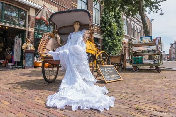Bride in Becak by joop_