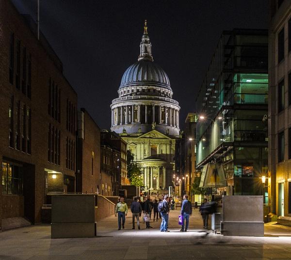 St Paul\'s at Night by orhun