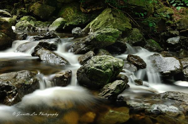 Lakeland Cascade by janlea