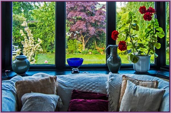 window in between by estonian