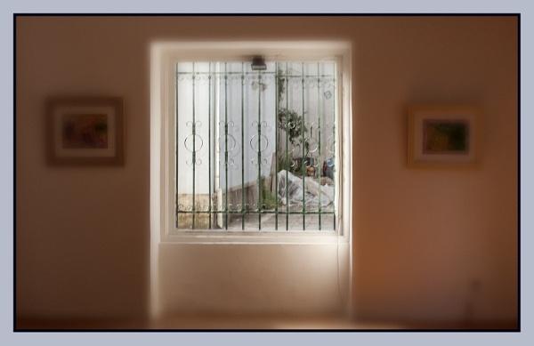 Gallery window by nklakor