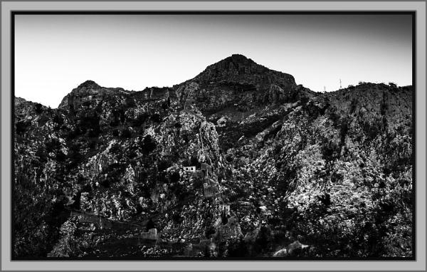 Rocks and sky by nklakor