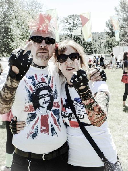 Antichrist Punk riot by blitzer