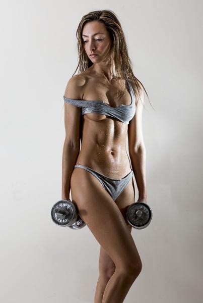 Weight training by Bogwoppett