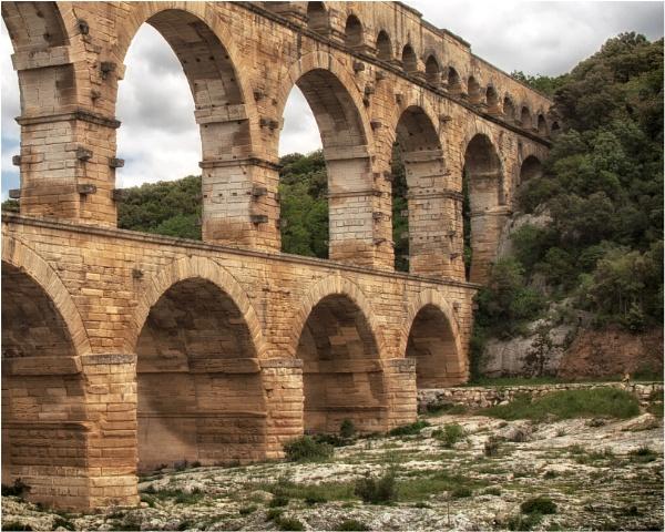 Pont du Gard by KingBee