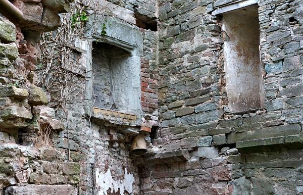 Hay on Wye old Castle by Steven_Tyrer