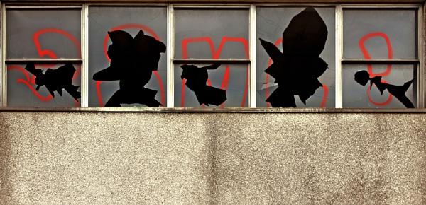 Broken Windows by helenlinda