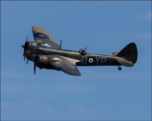 Bristol Blenheim at the Old Warden Airshow by malleader