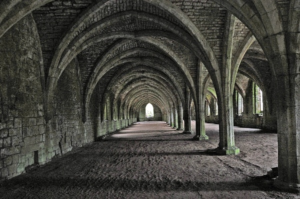 Fountains Abbey by peterthowe