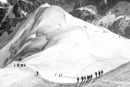 Arc of climbers