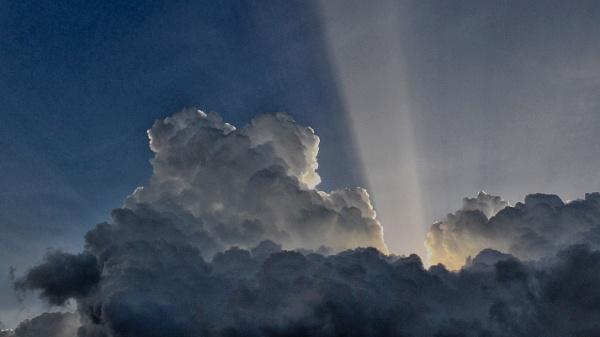 Clouds by sunie316