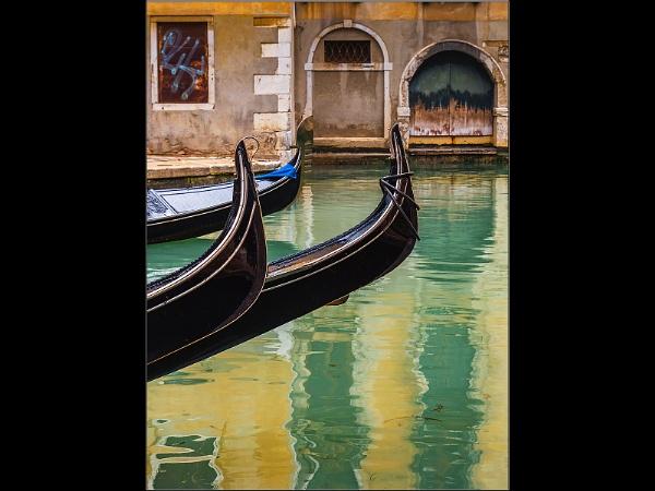Gondolas by titchpics