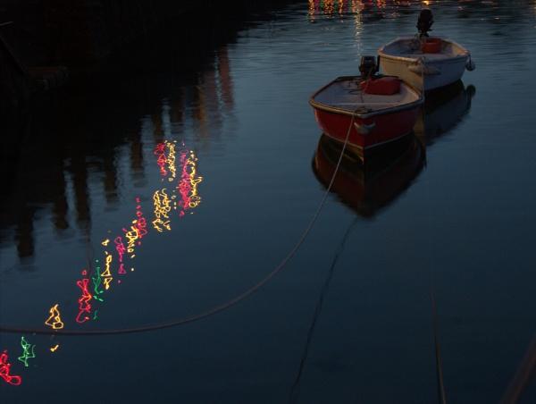 Bobbing boats by HelenaJ