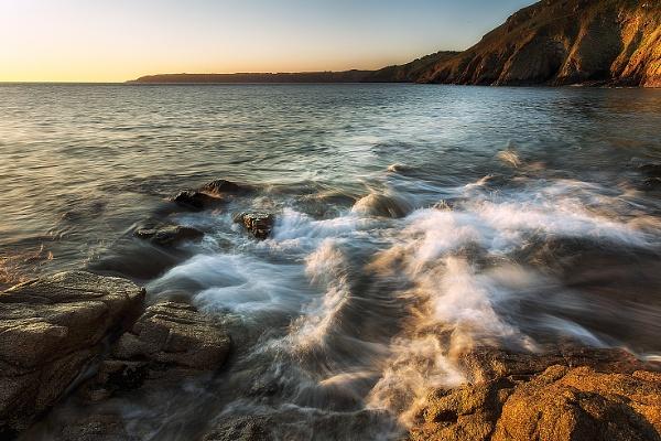 North Coast Waves by happysnapper