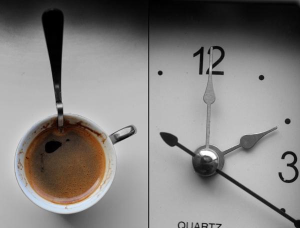 A clock... by Zenonas