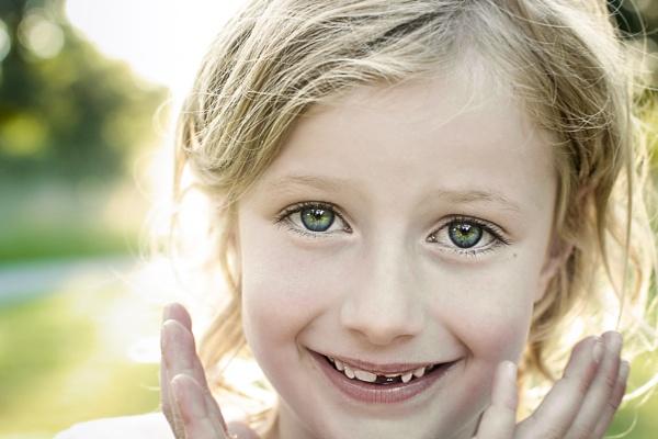 Gappy Smile by jpappleton