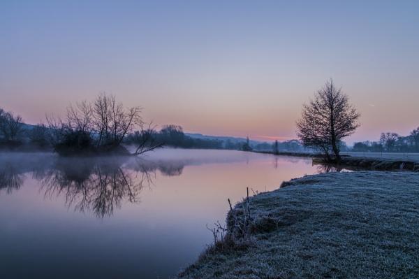 Sunrise Mapledurham by jimhellier