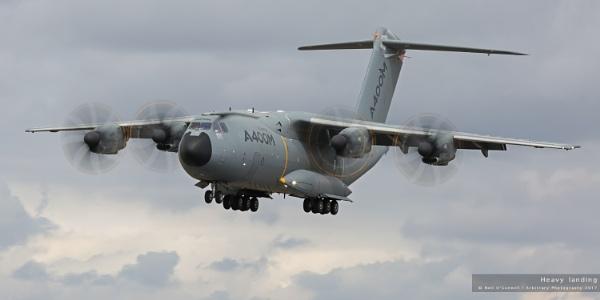 Heavy landing by javam