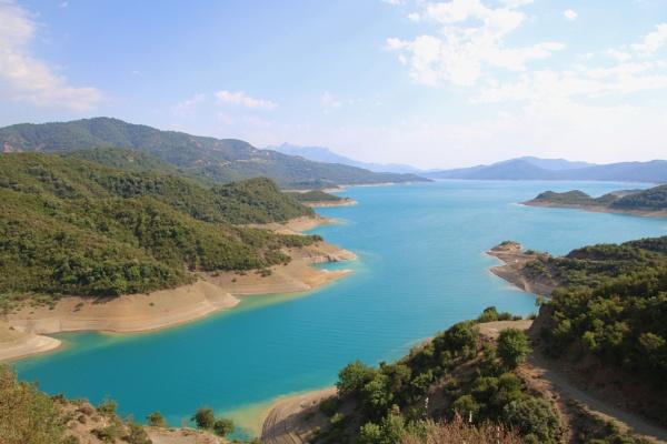 turquoise lake by jocas