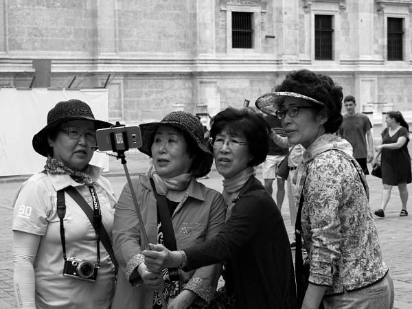 Selfie - Tourists Seville (Sevilla) by tonycullen