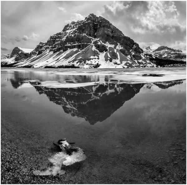 Monolith by Jasper87