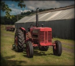 Mc Cormick International Tractor
