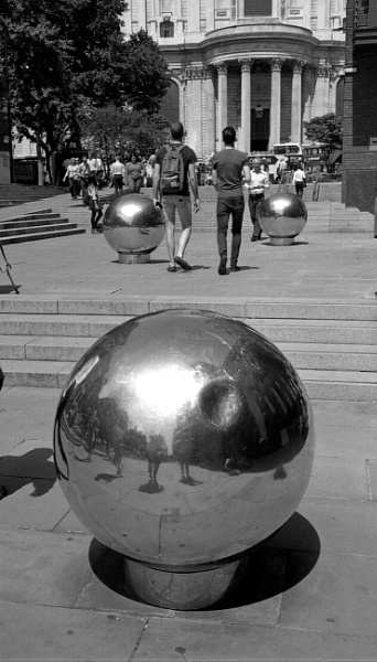 3 balls near St Paul\'s by pentaxpete