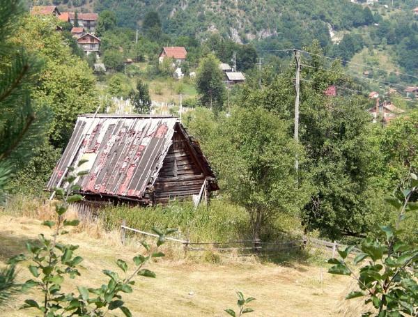 Rustic Dwelling by RysiekJan