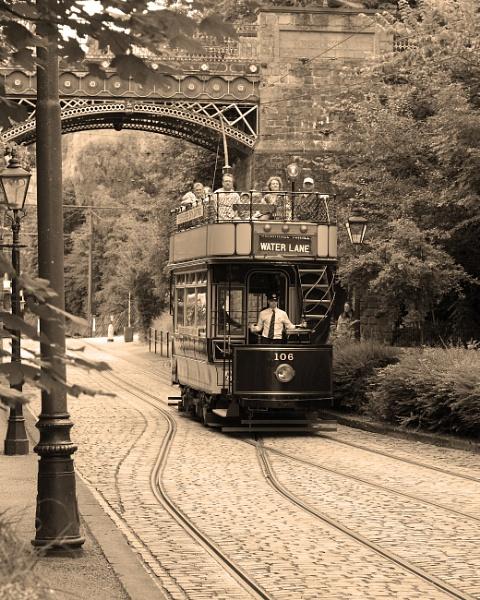 Tram by jonnydart