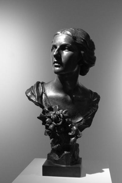 ''La Femme'' - Bust study