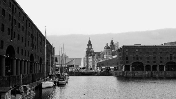 Albert Dock by victorburnside