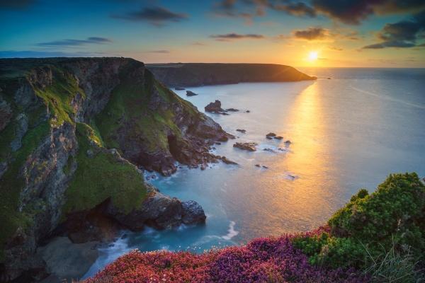 Godrevy Sunset by jarvasm